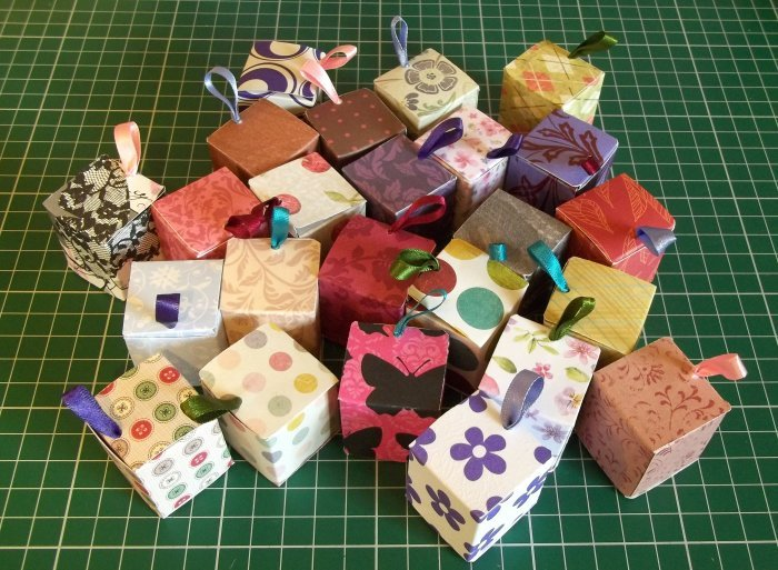 how to make mini things with paper